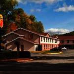Super 8 Brattleboro Hotel