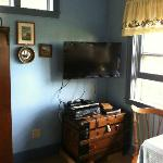 Flat screen tv & DVD/VCR... for roughing it!