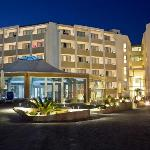 Seabank All Inclusive Resort &amp; Spa