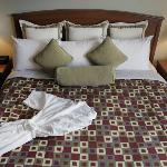 Service Plus Inns &amp; Suites Calgary