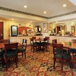 Quality Inn & Suites West Chase照片