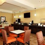  KSComfort Inn And Suites Breakfast Area