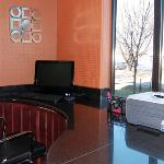 KSComfort Suites Business Center