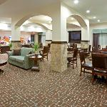  Breakfast Area Holiday Inn Cedar Hill TX