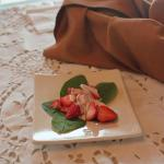  Salade de fraises sur bb pinard vinaigrette orange-rable