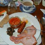  Full English breakfast cooked to order!