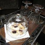 Cookies waiting our arrival in our room (they were delicious!)