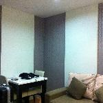 Foto The Sunreno Serviced Apartment