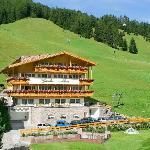 Photo of Garni Hotel Giardin Selva Di Val Gardena