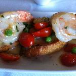  Shrimp Scampi Bread with butter, garlic, tomato, peas and bread crumbs