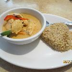 red curry w/chicken & brown rice