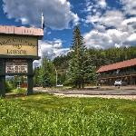 ‪High Country Lodge‬