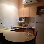  Clean kitchen, with well stocked cupboards, toaster, kettle, frypans etc,