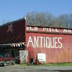 ‪Old Mill Antiques‬