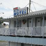  Motel Sign