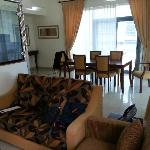 Photo de Mazoon Hotel Apartments