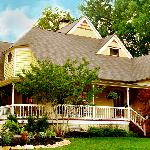 ‪McKinney Bed and Breakfast‬