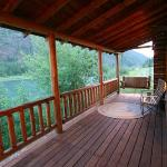 Kootenai Angler Guest Cabins