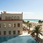 Le Meridien Ra Beach Hotel &amp; Spa