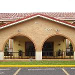 Photo of Goldstar Inn &amp; Suites Kissimmee