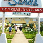 The Sands of Treasure Island resmi