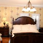 ‪Pikeville Historic Mansion Bed & Breakfast‬