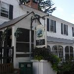 Publick House Historic Inn resmi