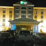 Holiday Inn Express Columbus at Northlake resmi