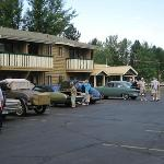 Good shot of the parking lot and the back of the Winthrop Inn.