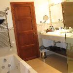  Reburbished bathrom - Lledoner suite