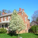 ‪McBurney Manor Bed and Breakfast‬