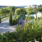  JARDINES JUNTO PISCINA