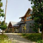 ‪Arbutus Bluff Bed and Breakfast‬