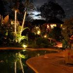 Piscine de nuit - pool by night - piscine de noche