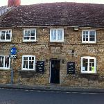 Britannia Inn - a stones throw from Sherborne Abbey