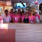  tutto lo staff al completo per la notte rosa! fantastici