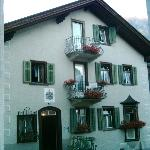  B&amp;B Backpacker Hotel &amp; Appartements Chasa Valr