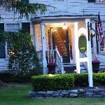 PineCrest Bed and Breakfast Inn