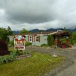  Quinault River Inn