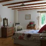 Chambre 1 - large airy room with its own dressing room & luxury bathroom