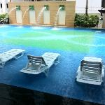 Foto de The Exchange Regency Residence Hotel