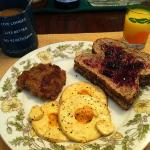 Another great breakfast: tofu fried eggs w/ Daiya, homemade seitan sausage and toast