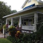 Three Oaks Bed and Breakfast resmi
