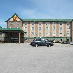 SUPER 8 MOTEL - TORONTO NORTH