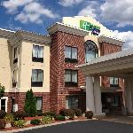 Photo of Holiday Inn Express Hotel &amp; Suites Manchester Airport