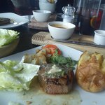 8oz fillet steak with jacket potato , onion loaf and lettuce with garlic mayo ....yum