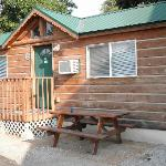  Log Cabin at Hulett Motel