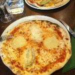 Two Italian pizza's at Ristorante Del Arte at the Crescent SC Limerick 240812