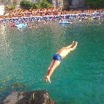  Un tuffo nelle acque di Leonelli&#39;s Beach