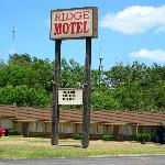  MOTEL VIEW FROM THE ROADSIDE